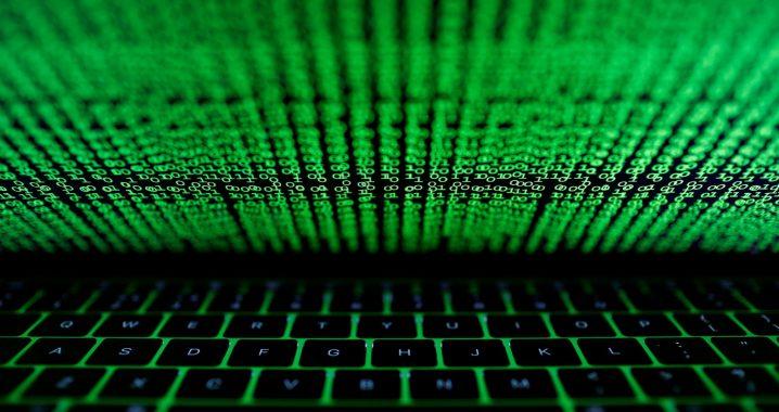 attaque à partir d'un clavier d'ordinateur